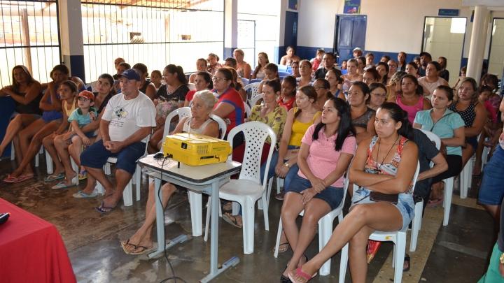 Secretaria de Educação promove reunião com comunidade do Sabino Leite para reestruturação escolar