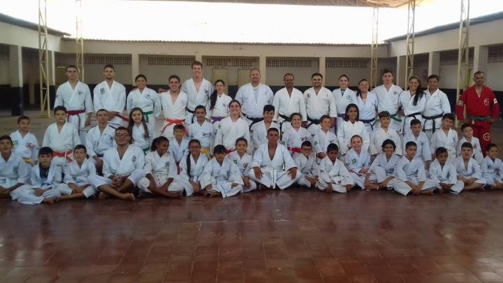 Prefeitura de São Miguel incentiva reencontro de karatecas em São Miguel