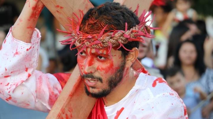 Evento cultural mobiliza escolas, jovens e comunidade para a grande Semana Santa em São Miguel