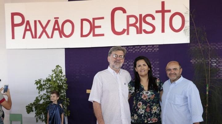 Prefeito participa de encenação da Paixão de Cristo na Escola Municipal Carlos Alberto