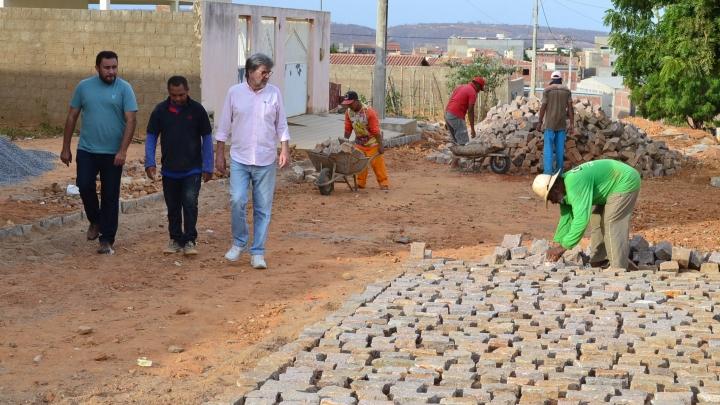 Obras de Pavimentação são iniciadas na Zona Urbana