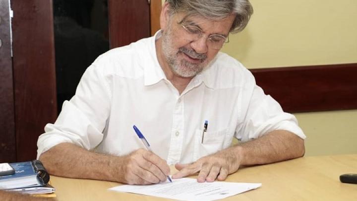 Prefeito José Gaudêncio assina ordem de serviço para pavimentação de ruas de São Miguel
